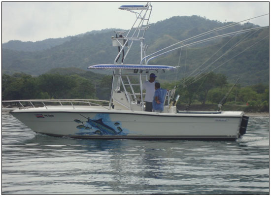 Yellow fin boat the circle hooker for Circle fishing boat